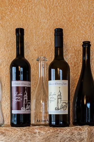 Wein mit Beitrag für die Stiftung